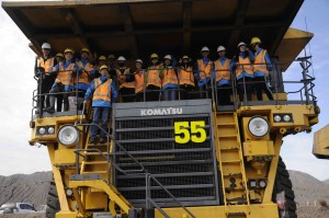 CUMT students and Prof Qu on coal truck, Blackwater Mine, Queensland.